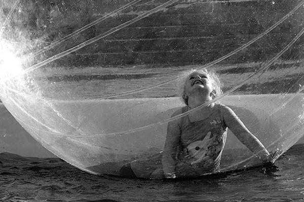 "Finalistbild av Sture Sternegård: ""Lyckobubblan""."